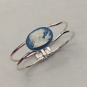 Jewelry - OOAK Hinged cameo bracelet